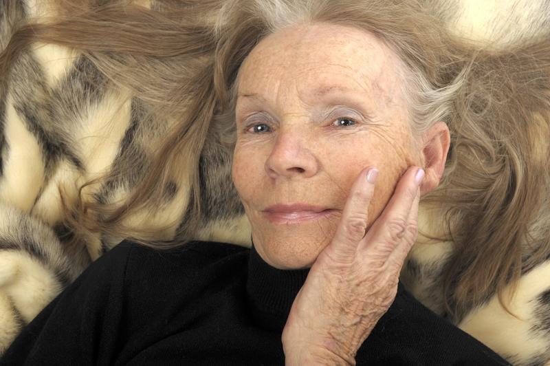 Фото старых женщин за 50 16 фотография